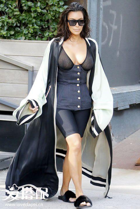 卡戴珊时尚穿衣街拍